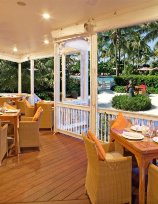 Dining at Tranquility Bay